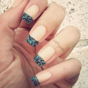 french-manicure-caviar-palline-nailart