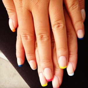 french-manicure-colorata