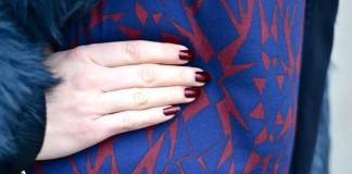 Come abbinare lo smalto rosso ad un vestito