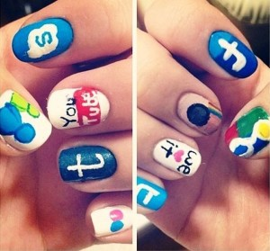 nail-art-con-icone-social-network